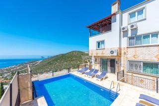 Villa Zirve, Kalkanda kiralık yazlık deniz  manzaralı villa