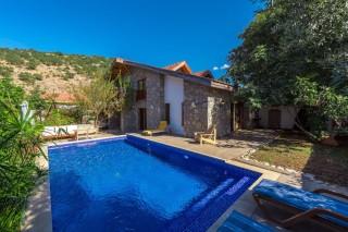 Villa Mandalina, Kayaköyde havuzu görünmeyen muhafazakar villa.