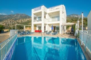 Kalkanda Deniz manzaralı 4 odalı lüks villa - Villa Baysal A