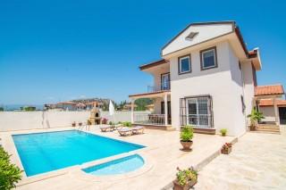 Dalyanda korunaklı havuzlu kiralık yazlık 3 odalı yazlık villa.