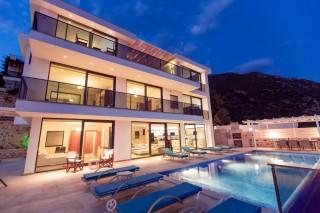 Villa Ela, Kalkanda 6 yatak odalı ultra lüks  özel havuzlu villa.