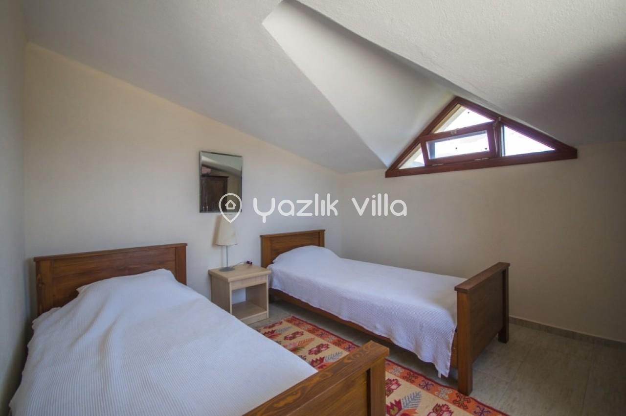 Villa-Esra