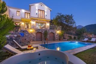 Villa Atlas, Kayaköy'de 3 yatak odalı havuzu korunaklı villa.