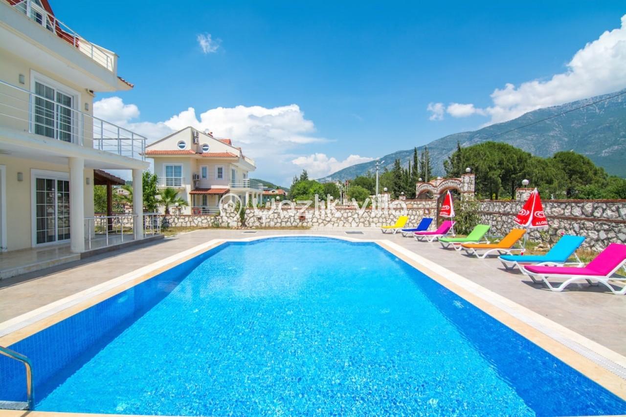 Villa Naz