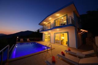 Villa Lilyum, Kalkan Üzümlüde 3 Yatak Odalı Kiralık Villa