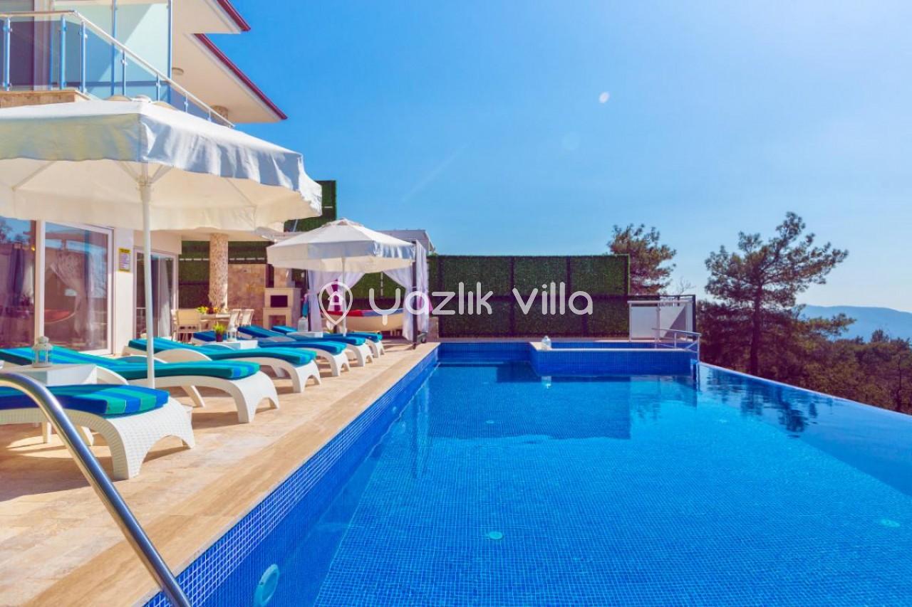 Villa Almira