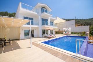 Villa Pinky, Kalkan Akbel'de Muhteşem Balayı Tatil Villası