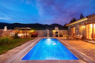 Villa Meryem Havuzu Korunaklı İslami Helal Tatil Villası