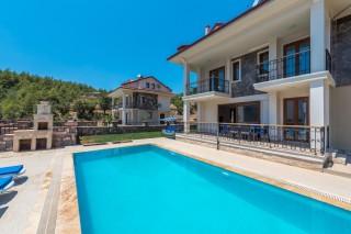 Villa Nirvan Ovacıkta 3 odalı lüks kiralık yazlık özel havuzlu.
