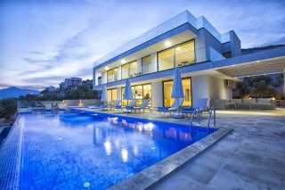 Villa Tigra Kalkanda Ultra Lüks 5 Odalı Kiralık Yazlık Villa.