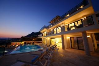 Villa Kral, Kalkan Kördere'de 12 Kişilik Havuzlu Lüks Villa