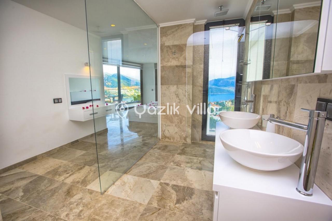 Villa Aquamarine