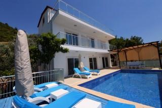 Villa Donat, Kalkan Üzümlü Köyünde 8 Kişi Kapasiteli Villa