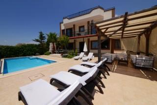 Villa Manavgatlı, Kalkan Akbel'de 4 Yatak Odalı Korunaklı Villa