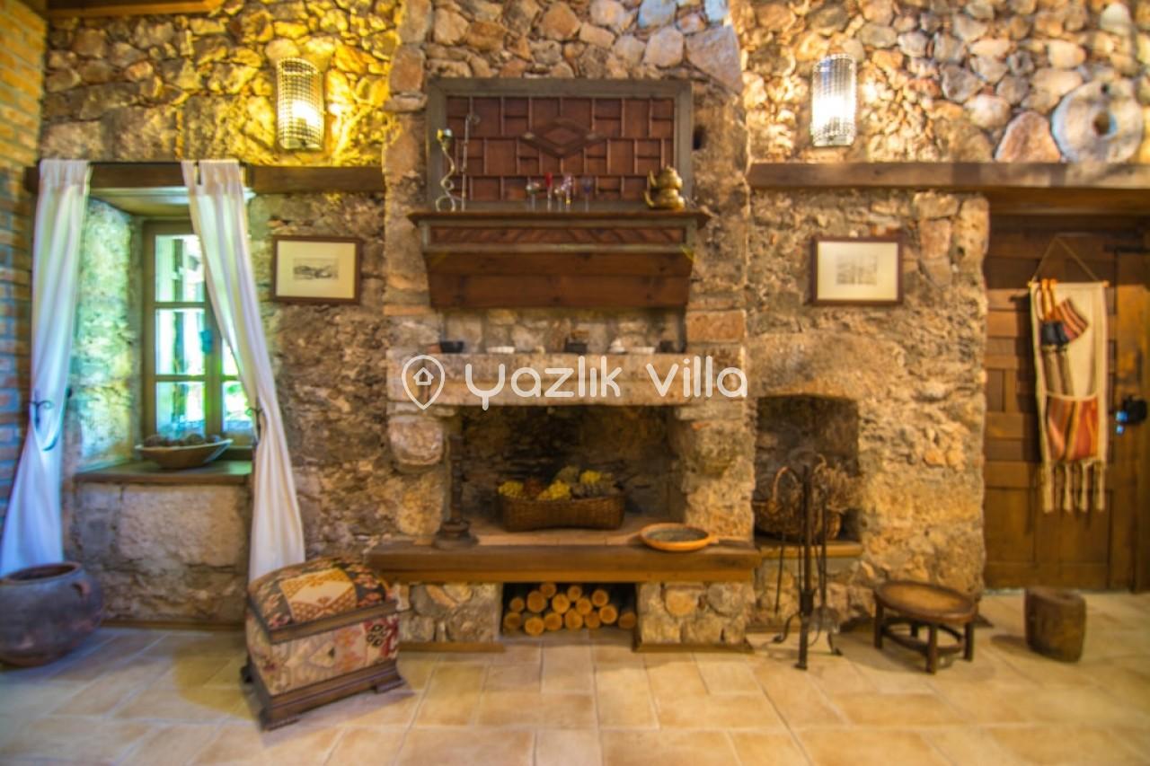 Levissi Lodge