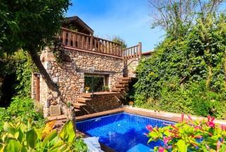 Levissi Lodge, Kayaköy'de Harika Tasarıma Sahip Balayı Villası.