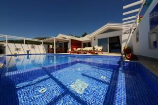 Villa Buse, 2 Yatak Odalı, Jakuzili Yazlık Tatil Villası
