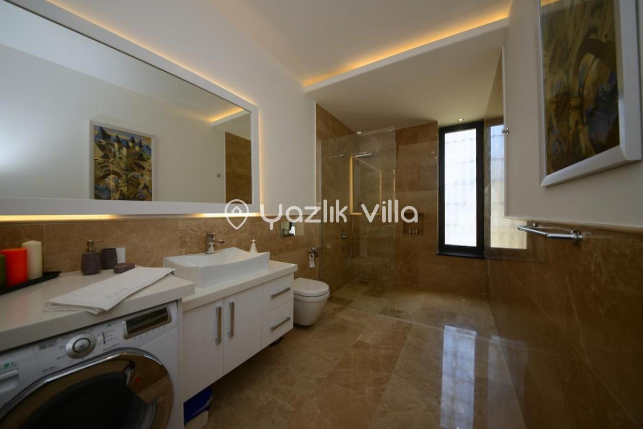 Villa Arya
