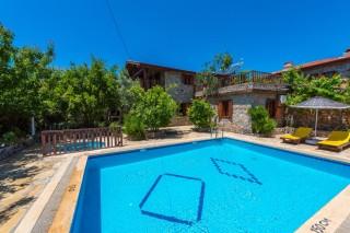 Villa Evi, 8 Kişilik Özel Çocuk Havuzuna Sahip Kiralık Villa