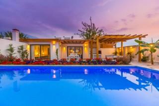 Pandora Evi, Balayı çiftleri veçekirdek ailele aileler villa.