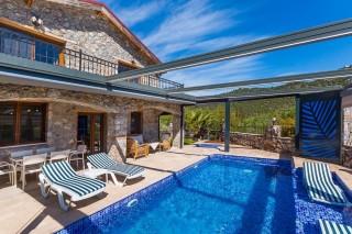 Villa Ege, Kayaköyde 3 yatak odalı korunaklı havuzlu yazlık villa