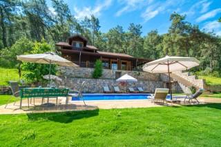 Villa Gizli Cennet, Göcekte Havuzu Korunaklı Helal Tatil Villası.