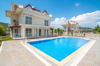 Villa Naz, Fethiye Hisarönü'nde 11 Kişilik Kiralık Villa