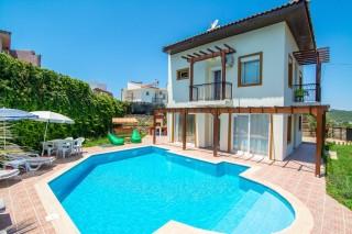 Villa Göksel, Ölüdeniz Ovacık'ta 3 Odalı Kısmi Korunaklı Villa