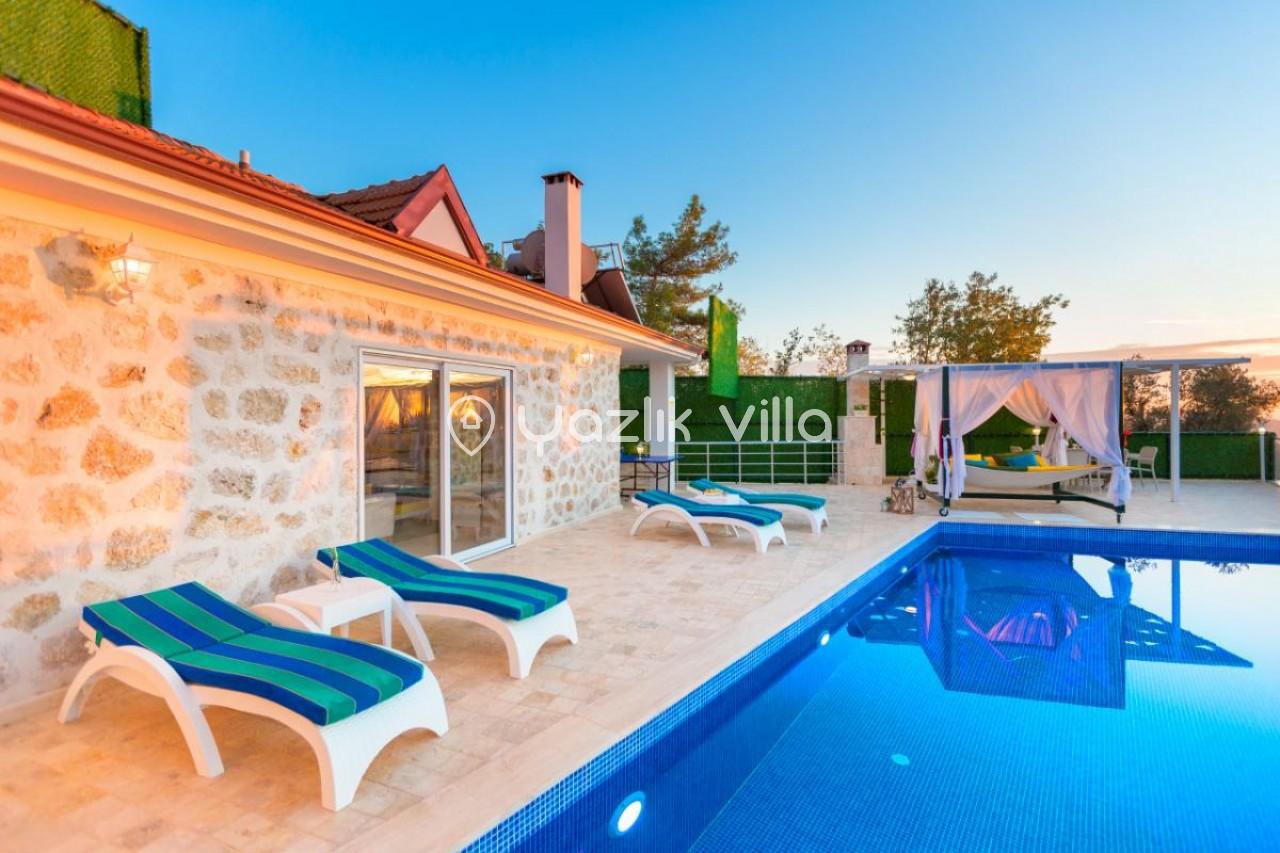 Villa Alya