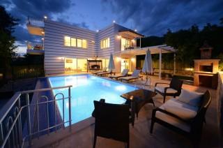 Villa Buğra, Kalkan Üzümlüde 2 Yatak Odalı Korunaklı Villa