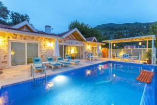 Villa Sade, Kalkan'da balayı çiftleri için lüks kiralık villa.